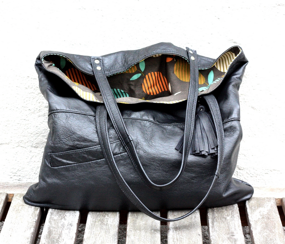 One more black city bag - SOLD OUT