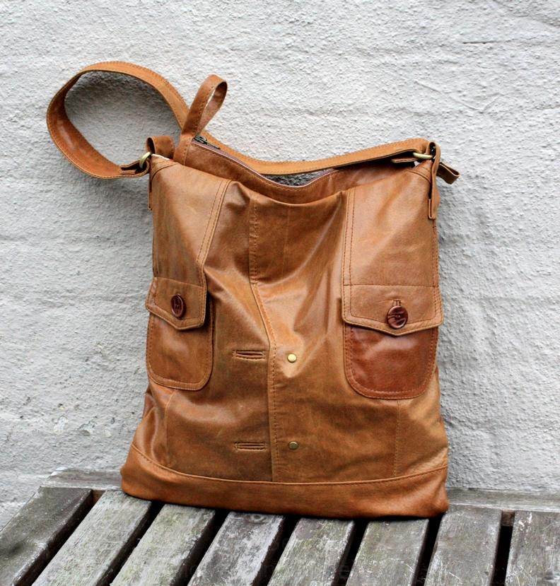 Cognac leather city bag