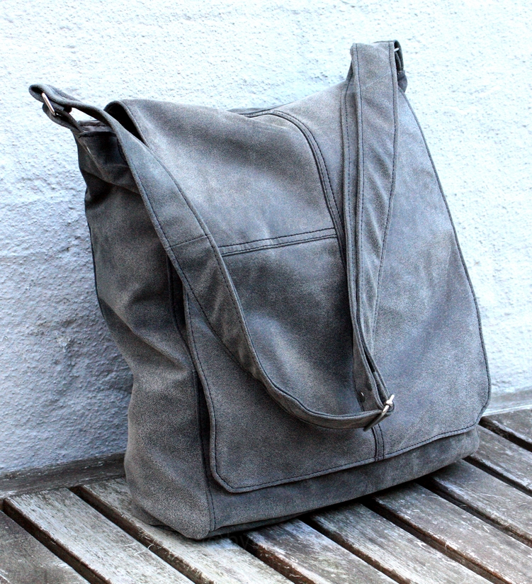 Grey messengerbag - custom order