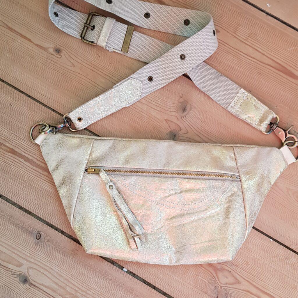 Gold bumbag / funnypack